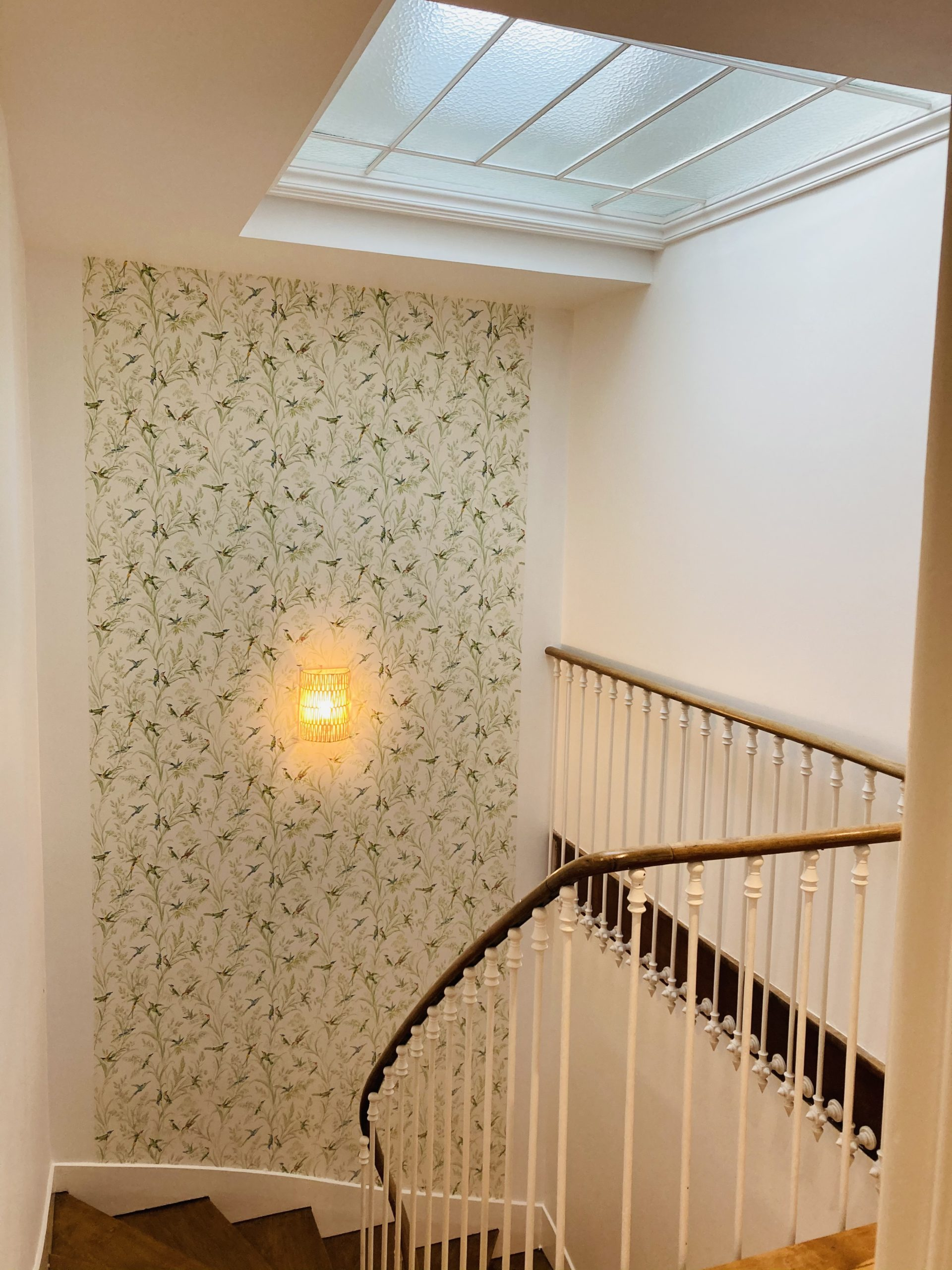 décoration intérieur cage escalier artisan peintre Angers